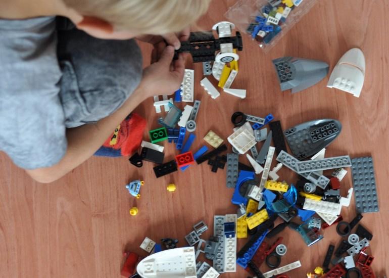 LEGO bauen