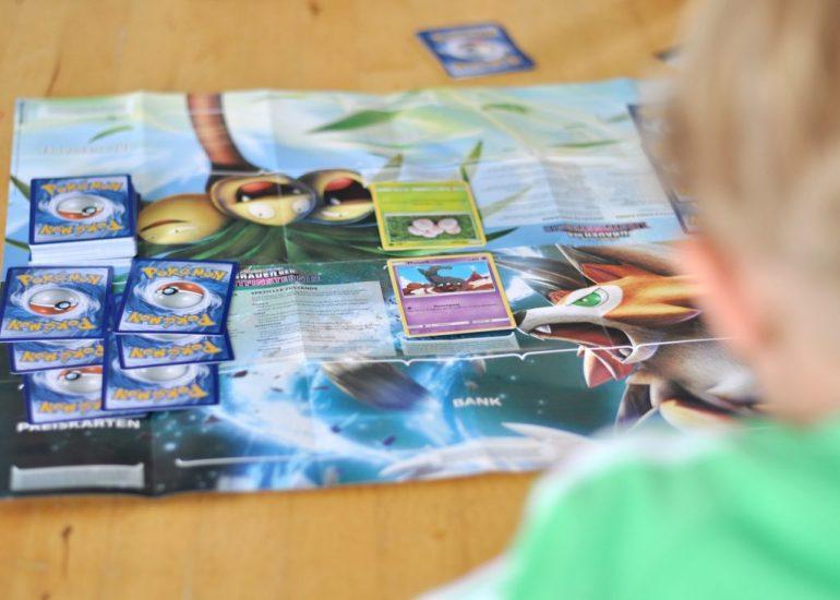 Pokemon Kartenspiel - Deck mit Spielmatte