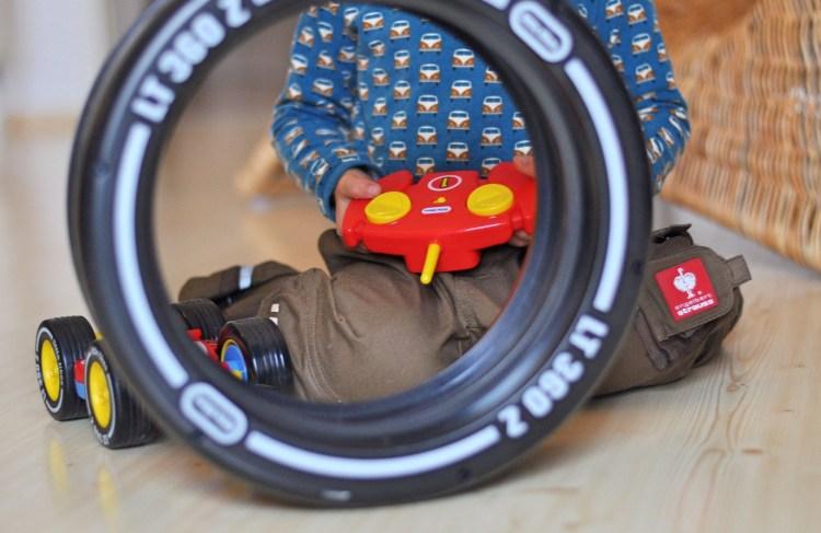 Ferngesteuertes Auto für Kinder ab 3 Jahren – Vollgas mit dem Tire Twister