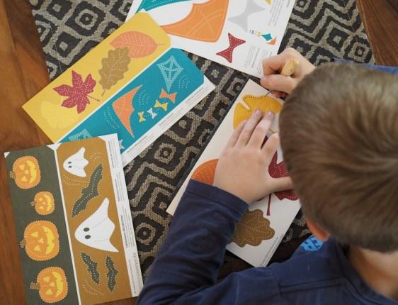 Basteln mit Kind: Prickeln - herbstliche DIY-Deko selbstgemacht mit der Prickel-Technik