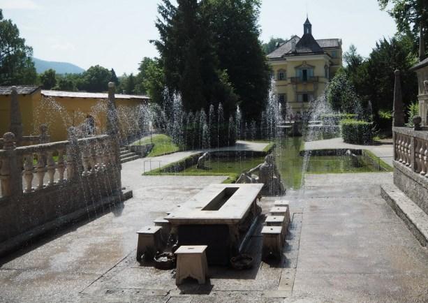 Wasserspiele: Fürstentisch