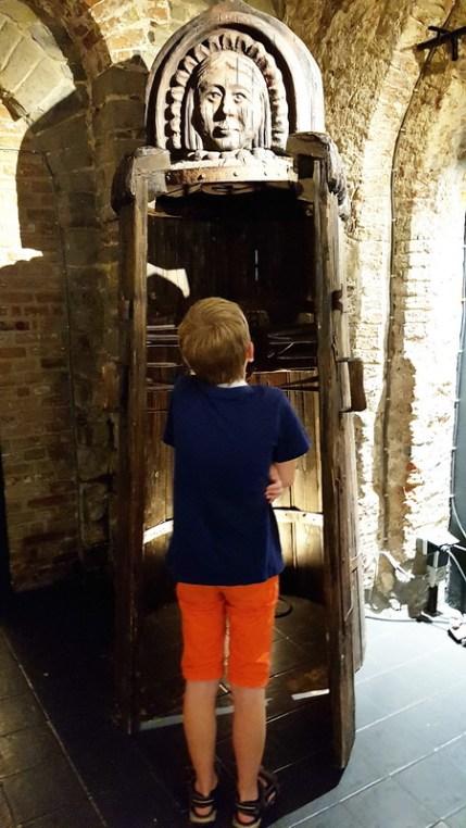 Brügge mit Kind: Foltermuseum