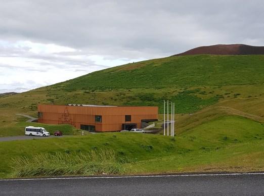 Island mit Kindern: Ringstraße Süden: Westmännerinseln Heimaey Vulkanmuseum Eldheimar