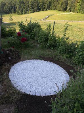 Weiße Marmorkieselsteine