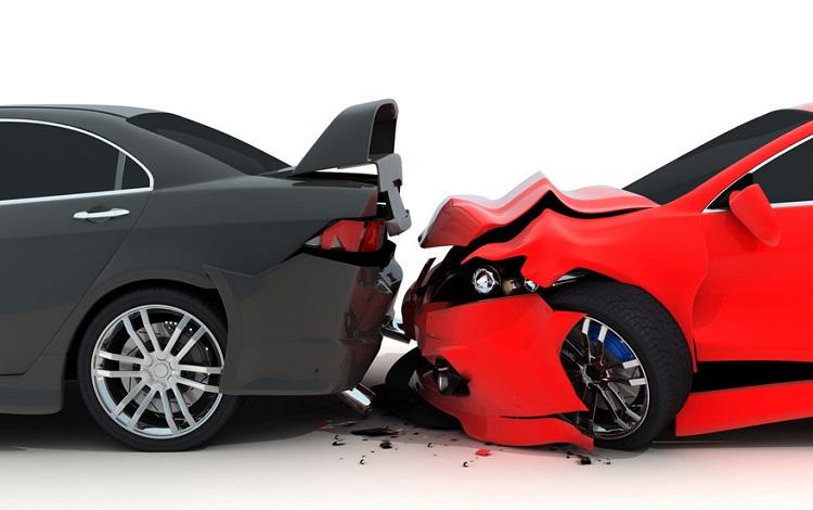 ¿Qué hacer si te choca un coche sin seguro?