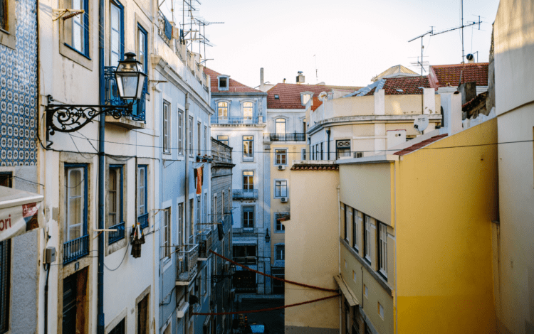 Asisa venderá en Portugal seguros de salud
