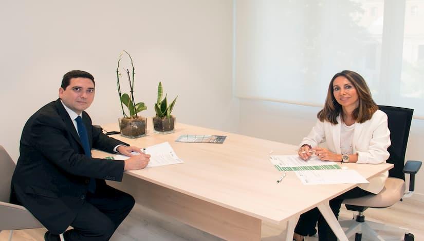 El Colegio de Valencia firma un acuerdo por primera vez con Caixa Popular