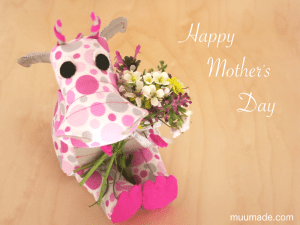 A pink dragon wishing you a very happy mother's day!