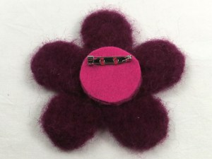 Free Tutorial: Needle Felted Flower Brooch - step 7