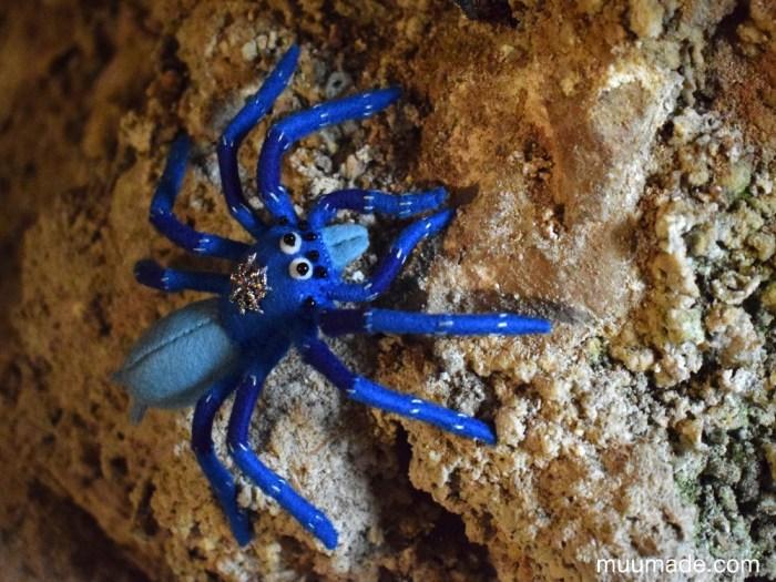Little Felt Spider - Muumade sewing pattern & tutorial