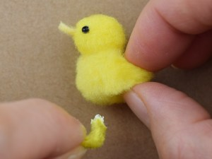How to make pom-pom ducklings