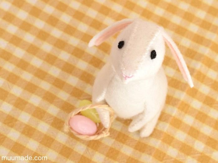 Little Felt Rabbit sewing pattern & tutorial