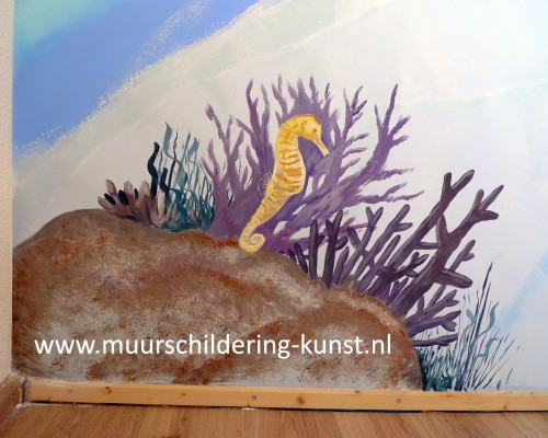 muurschildering zee paardje