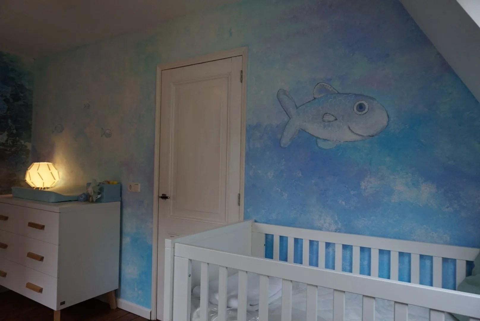 vissen muurschildering babykamer