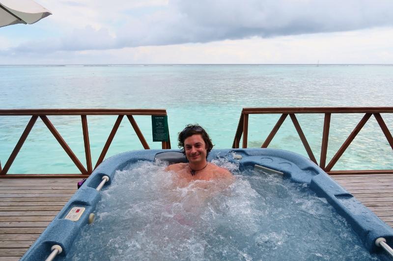 Poreamme terassilla Malediiveilla