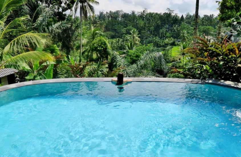 Ihana majoitus riisiterassien yllä Ubudissa