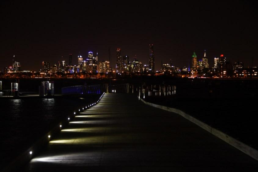Melbourne yöllä
