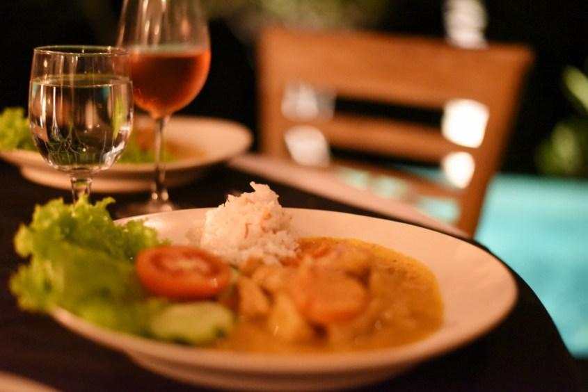 kari ayam, balilaista ruokaa Ubudissa