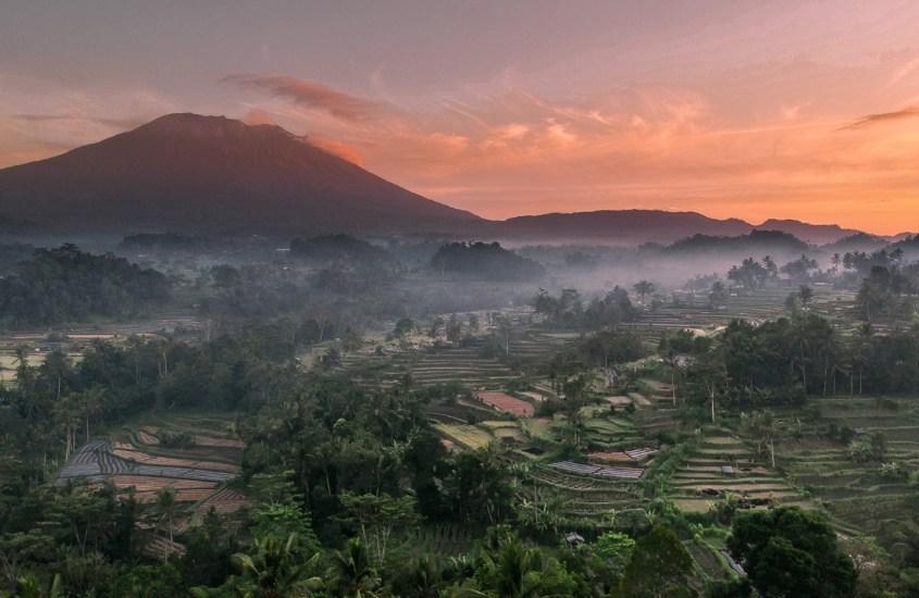Balin Sidemen on rauhallinen pakopaikka uinuvan tulivuoren alla