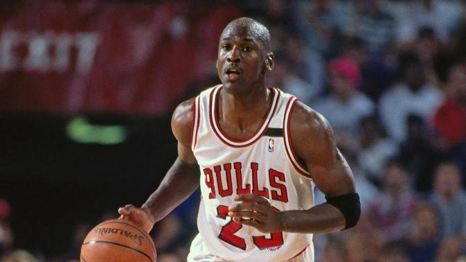 Michael Jordan: The greatest basketball player of all time - image  on https://muvison.com