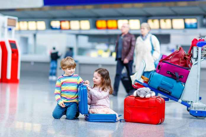 Tips to Make Flying Easier with Kids 1