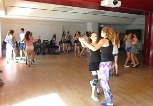 Tanzübungen zu zweit