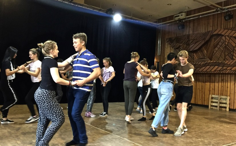 Salsa – swing your hips!