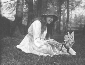 cottingley-fairies-2.jpg