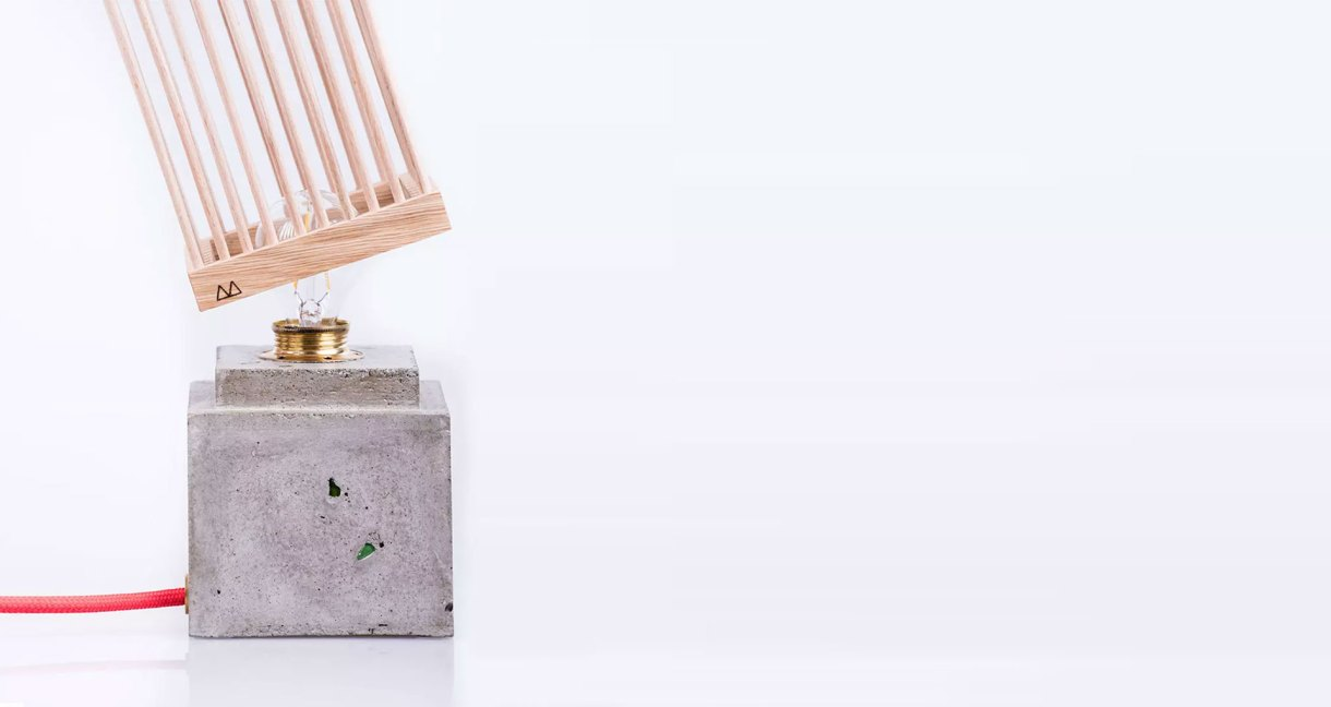 twig-collection-wood-lamp-close-ip