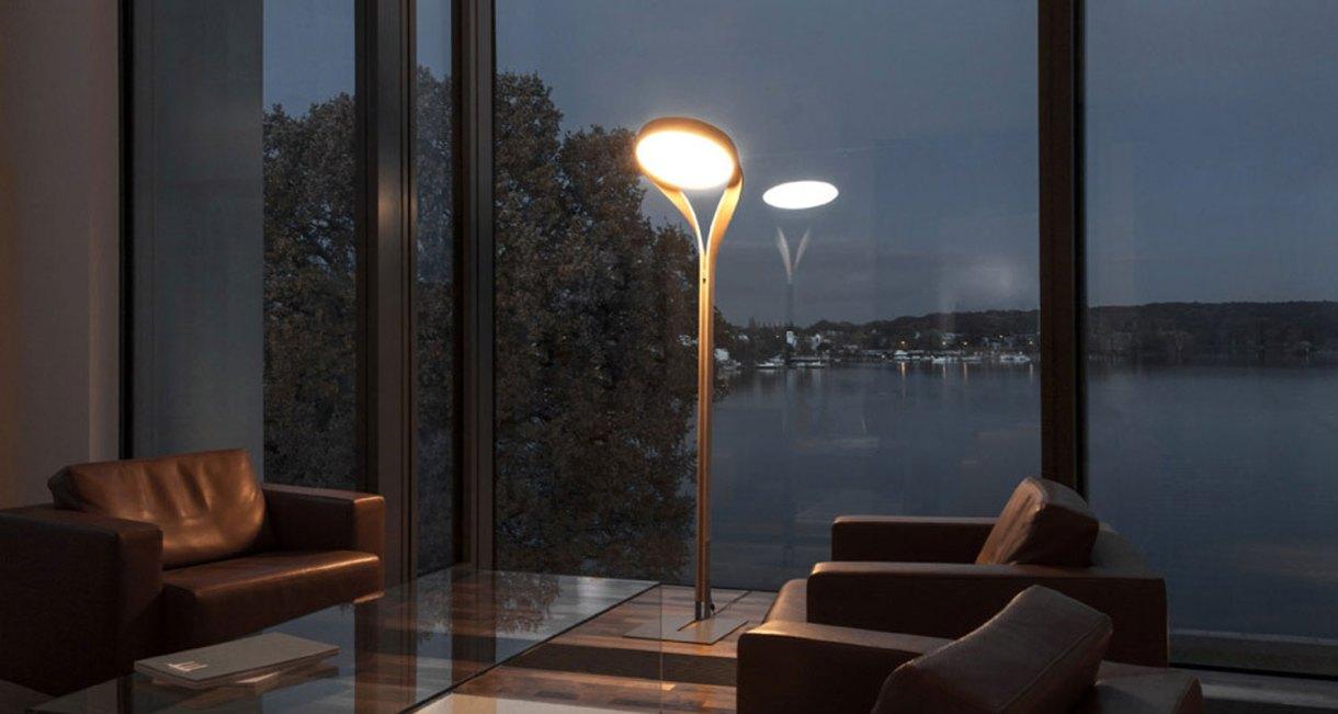 LUX-FAGUS-wood-floor-lamp-interior-night