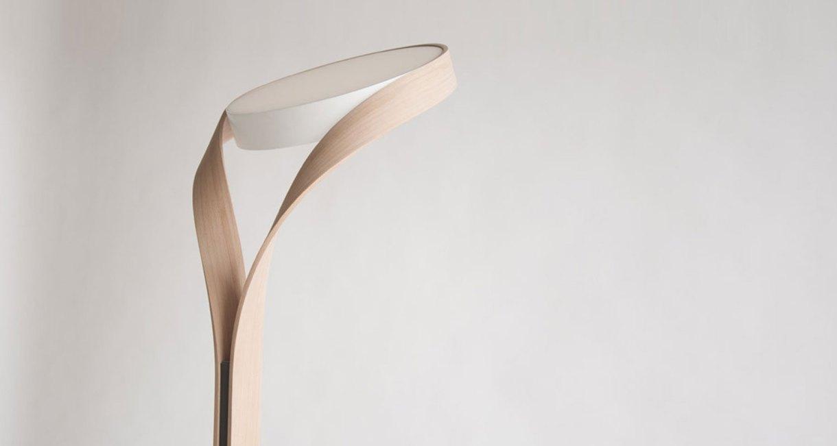 LUX-FAGUS-wood-floor-lamp-interior-top-light