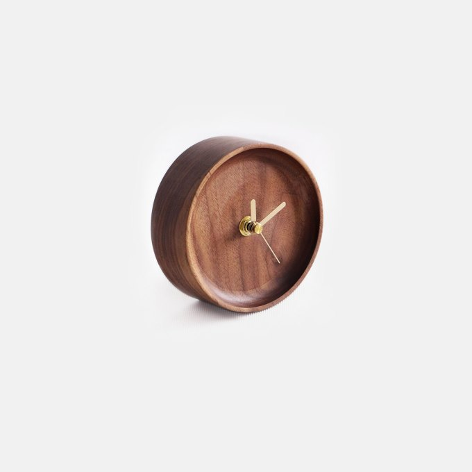 samll-walnut-table-clock