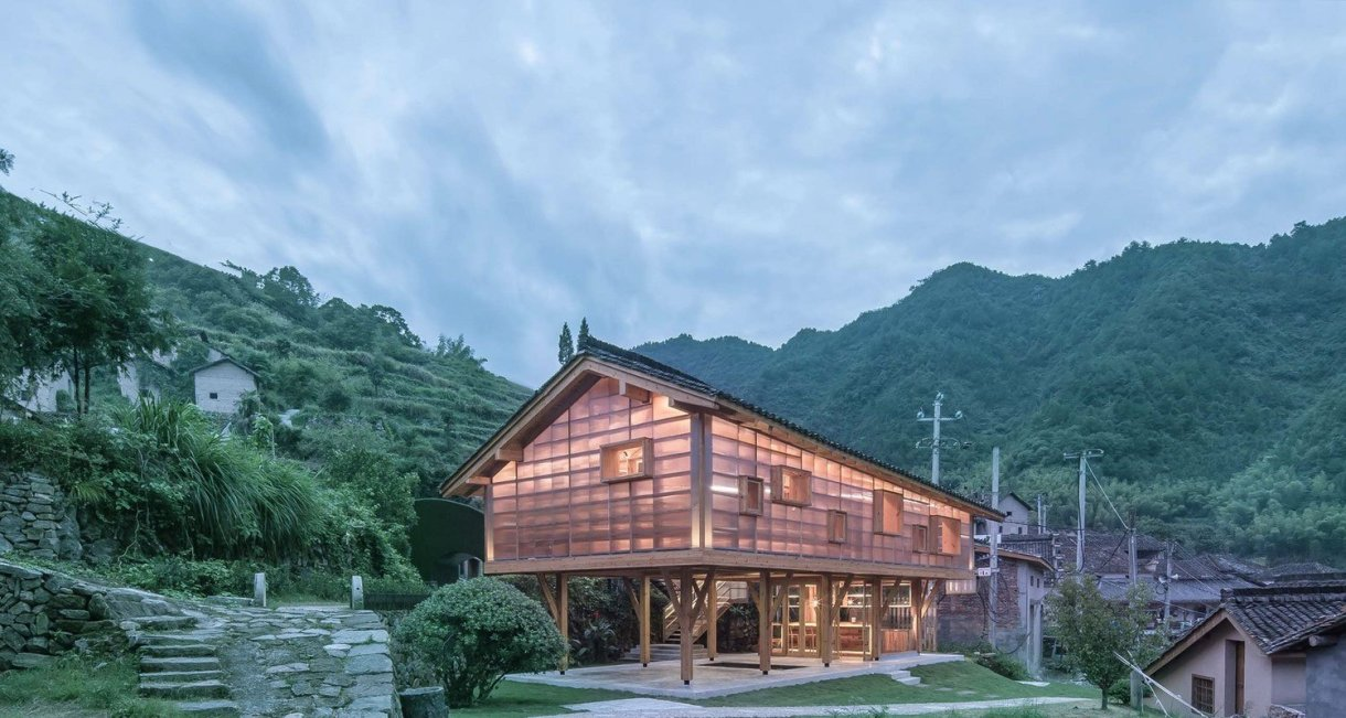 Mountain-house-in-Mist-green