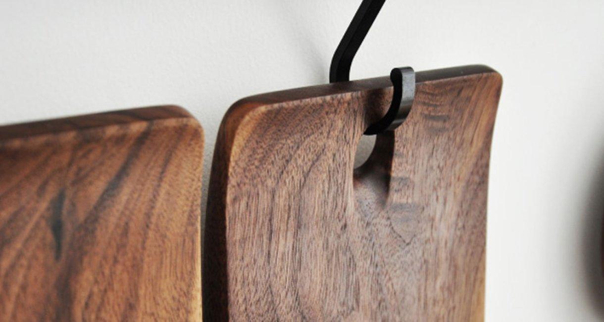 walnut-cutting-board-hanger