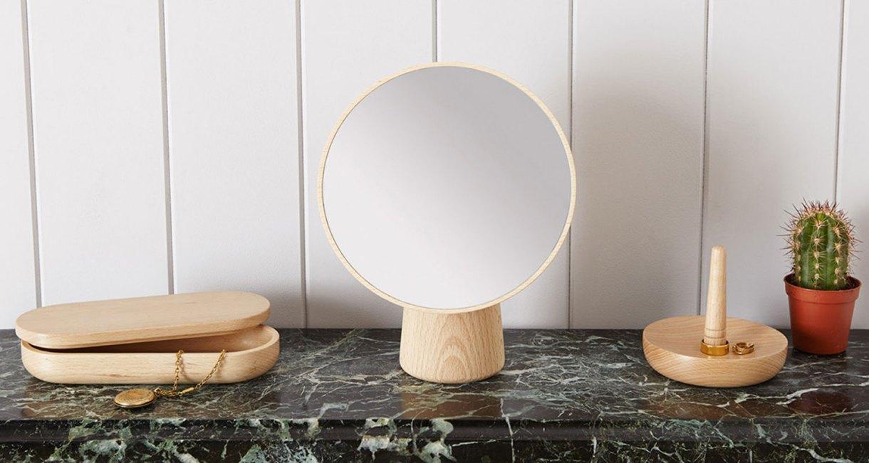 Cameo-mirror-smart-wooden-designs-2