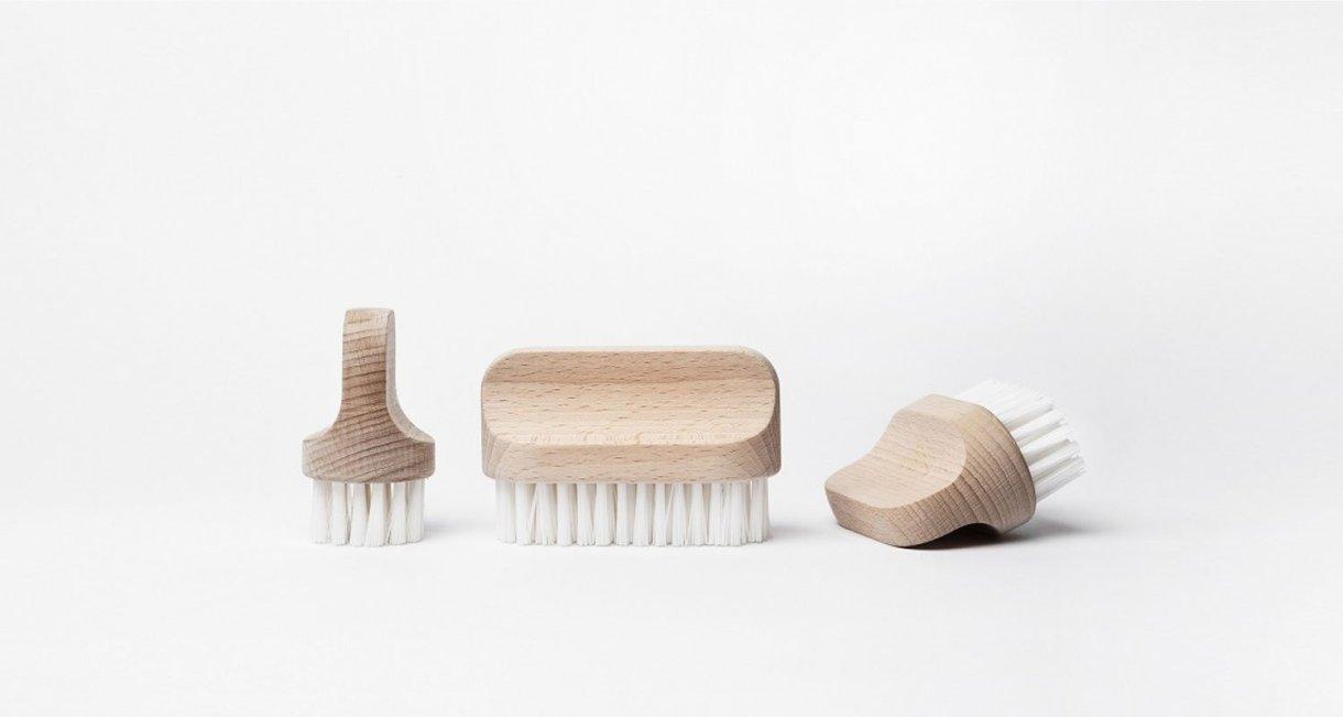 Canot-wooden-brushes-set