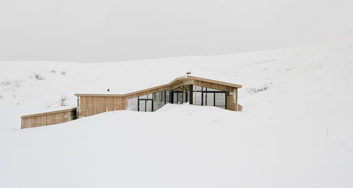 Gubrandslie-Cabin-Helen-Hard-architects-top