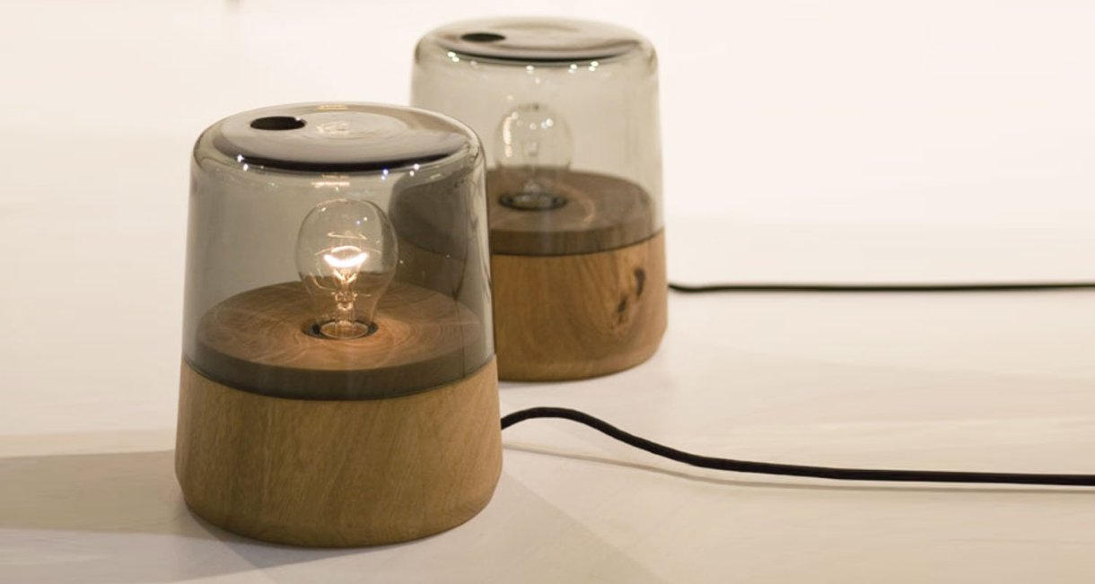 boya-wood-bedsidelamp-side-reclaimed-wood-scene-light