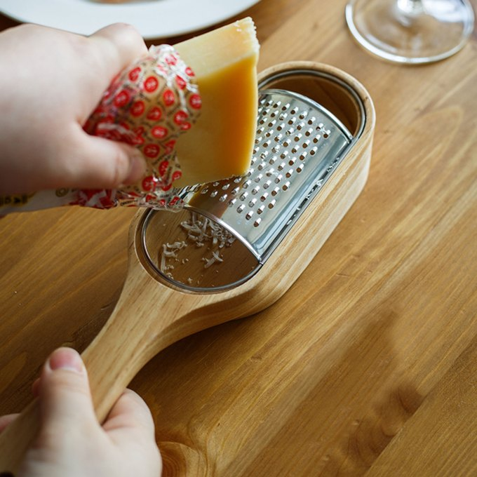 cheese-grater-oak-wood-cheese