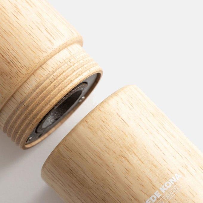 wood-coffee-grinder-oak-close