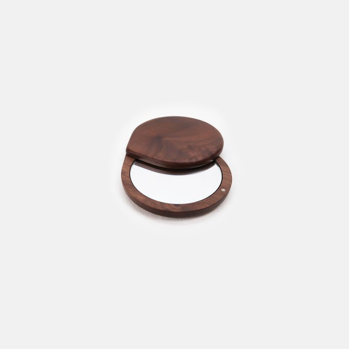 Wood-Pocket-Size-Mirror-walnut