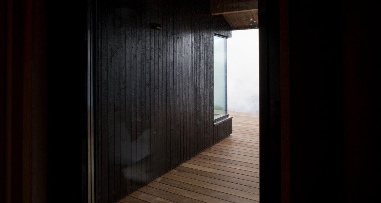 hooded-cabin-Arkitektærelset-Norwegian-architectural-studio-1