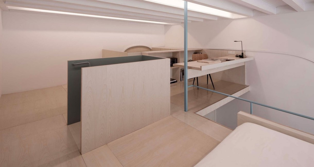 U-shape-room-compact-living-space-Atelier-tao+c-1