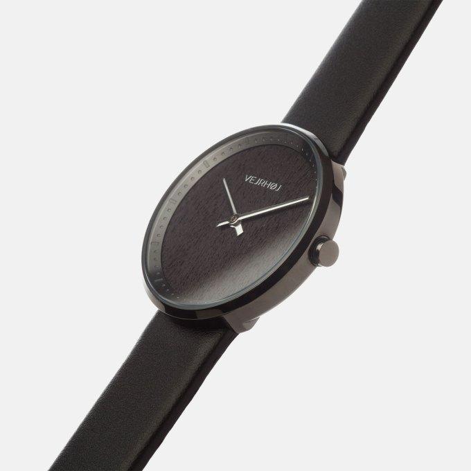 gunmetal-stainless-walnut-wood-wooden-watch