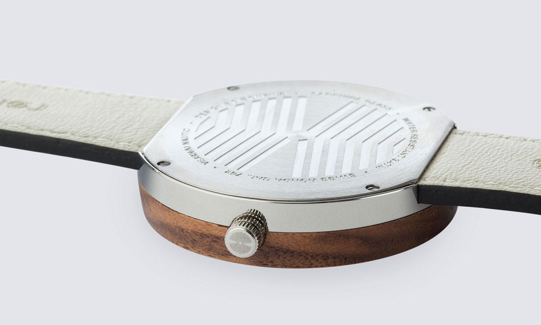 walnut-wood-stainlesssteel-NAUTIC-58-NORTH-12323