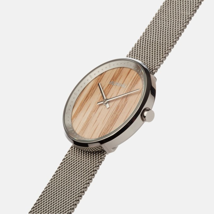 wooden-watch-red-oak-wood-stainless-steel-polished-finish-1