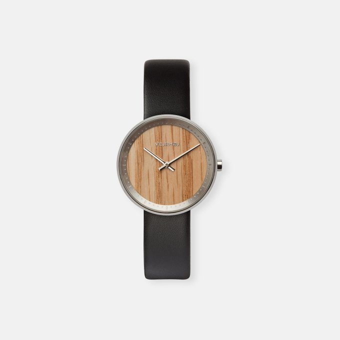 wooden-watch-red-oak-wood-stainless-steel-polished-finish-4