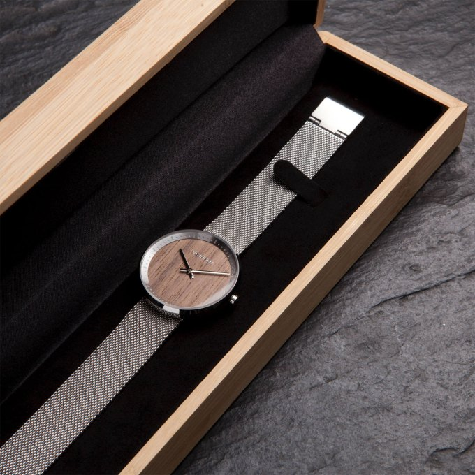 wooden-watch-walnut-wood-stainless-steel-polished-finish-2