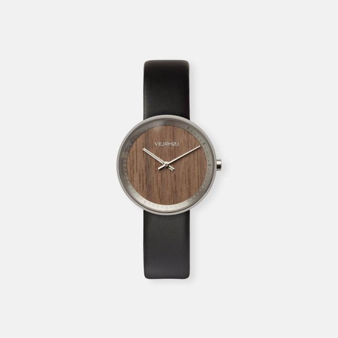 wooden-watch-walnut-wood-stainless-steel-polished-finish-6