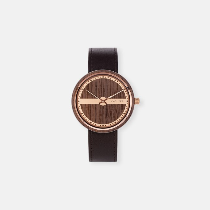 wooden-watch-with-rosegold-walnut-wood